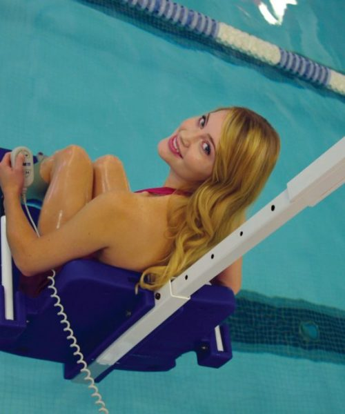 revolution-pool-lift-in-use-close-up